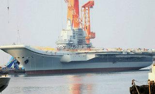 国产航母新进展:又安上脚手架