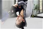 刘涛练高难度瑜伽秀身材