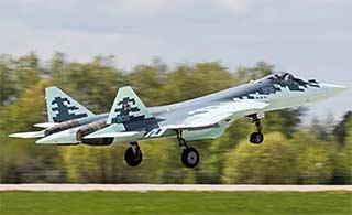 俄最新T50战机采用特殊迷彩涂装
