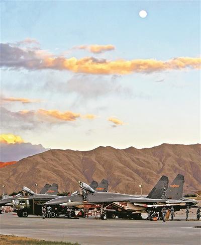 """航空兵异地任务""""拎包入住"""" 可不带场站装设备"""