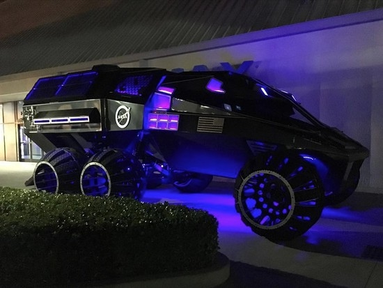 时速112km!NASA首次展示人类第一辆火星卡车