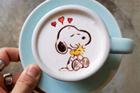 韩国咖啡师做创意彩色拉花