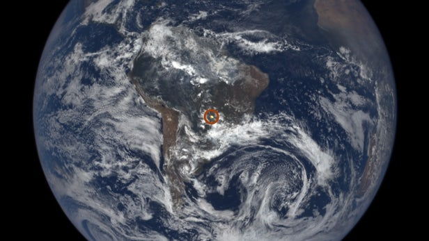 [视频]科技雷不撕:NASA解密地球奇怪光束