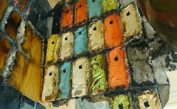 [视频]科技雷不撕:当50台iPhone 5C遇上660℃的铝水