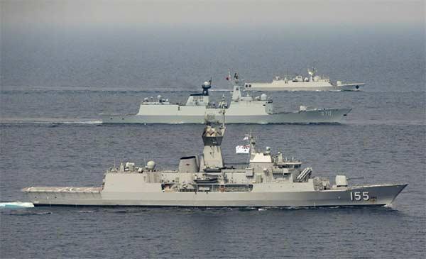 054A舰亮相新加坡国际阅舰式