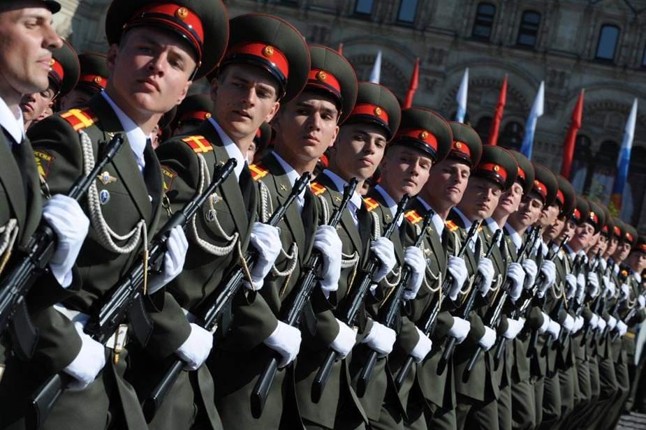 俄为何重新装备部队?普京:保护领土和实战所需
