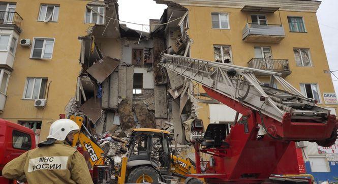 俄罗斯伏尔加格勒一四层楼发生天然气爆炸 至少2人死亡