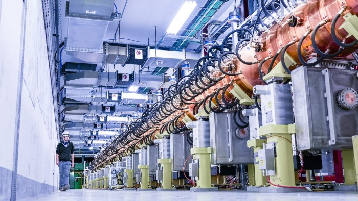 欧洲强子对撞机新型加速器建成:快3倍