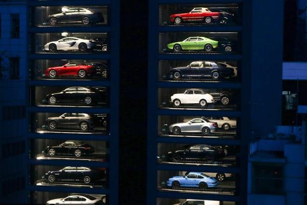 投币买豪车!新加坡惊现汽车自动售货机高达15层楼