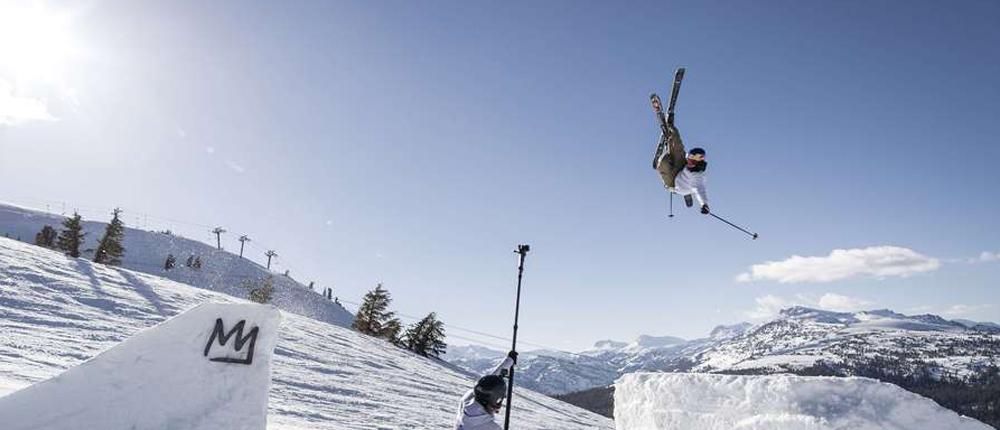 艺高人胆大 极限达人高难度滑雪动作看呆你