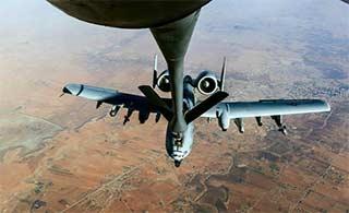 美军在伊拉克为A10战机加油