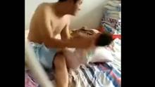男子对儿子多次摔打扇耳光