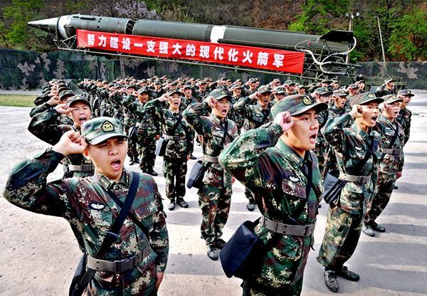 火箭军官兵牢记强军目标 建设世界一流战略军种