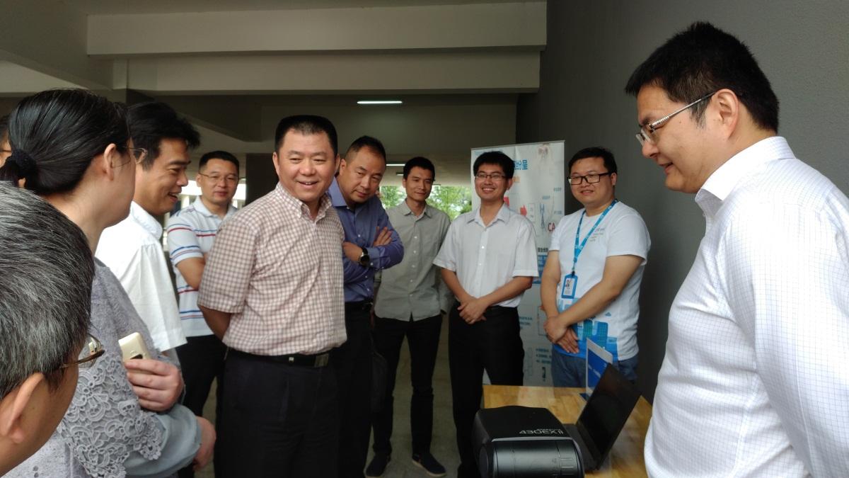 "5G技术4G化  中兴通讯Qcell打造无线""智慧机场"""