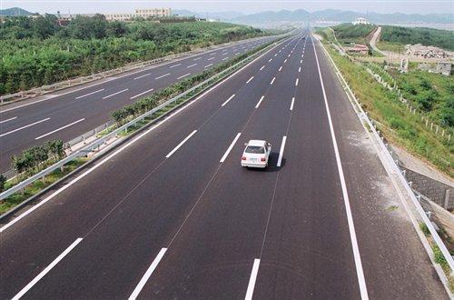 董扬:不单是道路交通法应该修改