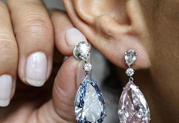 苏富比拍出世界最贵钻石耳环 5740万美元创纪录