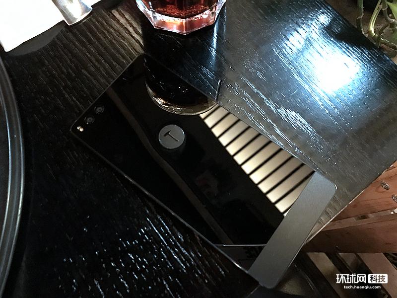 能削苹果的手机?坚果Pro静态欣赏