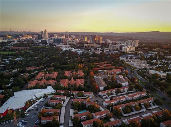 """""""一带一路""""·好风光 空中俯瞰南非最大城市约翰内斯堡"""