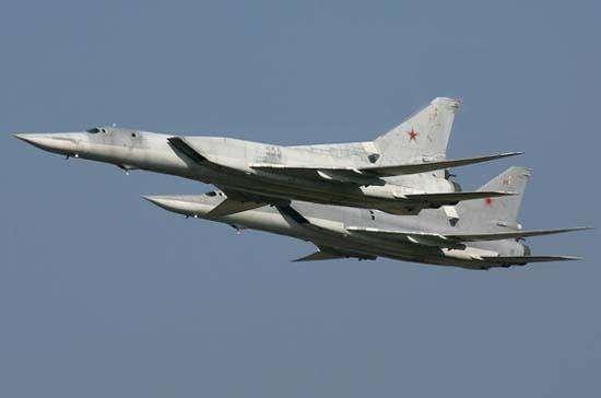 """传说中的""""逆火""""轰炸机要来中国了 俄这是要干啥?"""