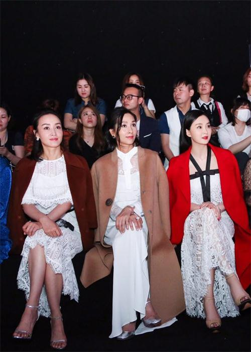 以逐梦为主题的CORA2017秋冬高级定制发布会 在武汉取得圆满成功