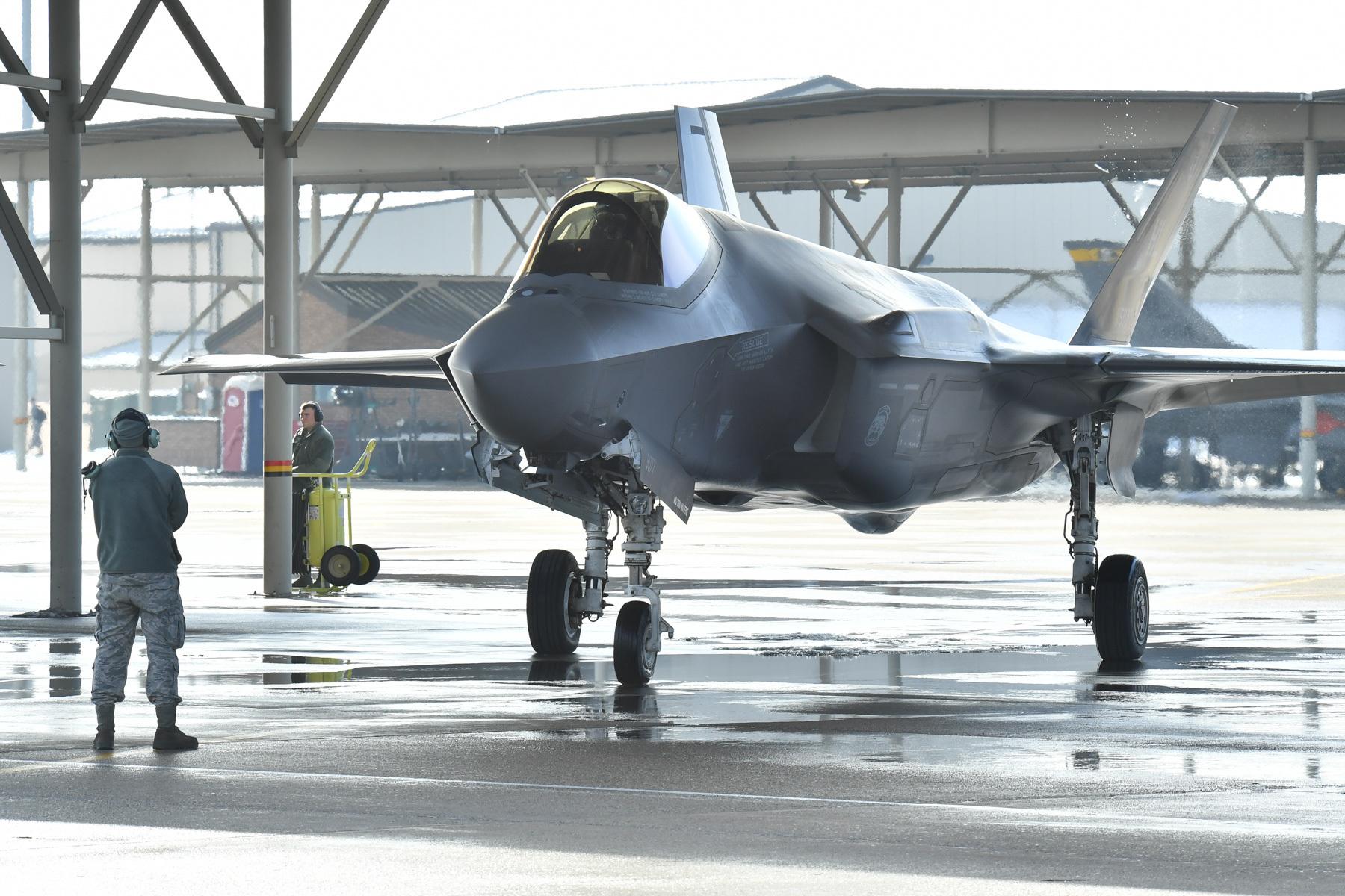 美媒:美军年内将接收完全体F35  释放全部潜力