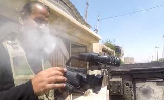 命大!GoPro摄像机为战地记者挡下狙击手子弹