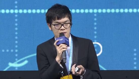 柯洁:太厉害了!AlphaGo是上帝!输得没一点脾气