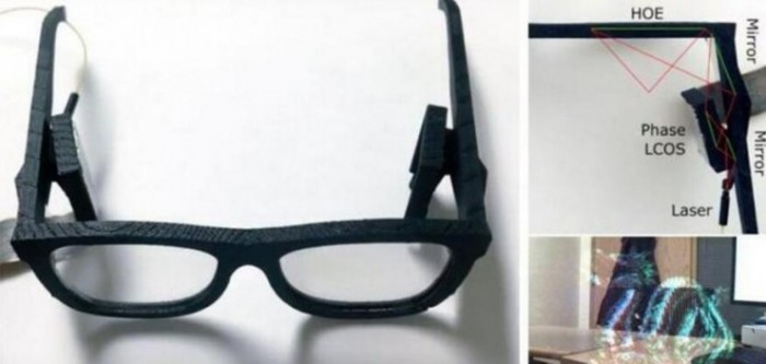 微软展示AR眼镜原型机 可近眼查看全息图像