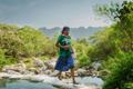 凉鞋短裙!印第安一女子夺50公里马拉松冠军