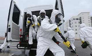 山东武警模拟核辐射条件下实战