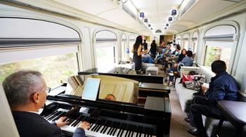 坐着豪华火车游美国 这才是最大的享受