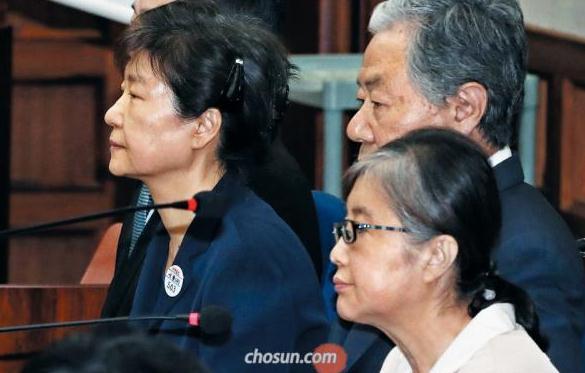 为什么欺骗我?朴槿惠:为受崔顺实蒙骗的自己感到悲哀!