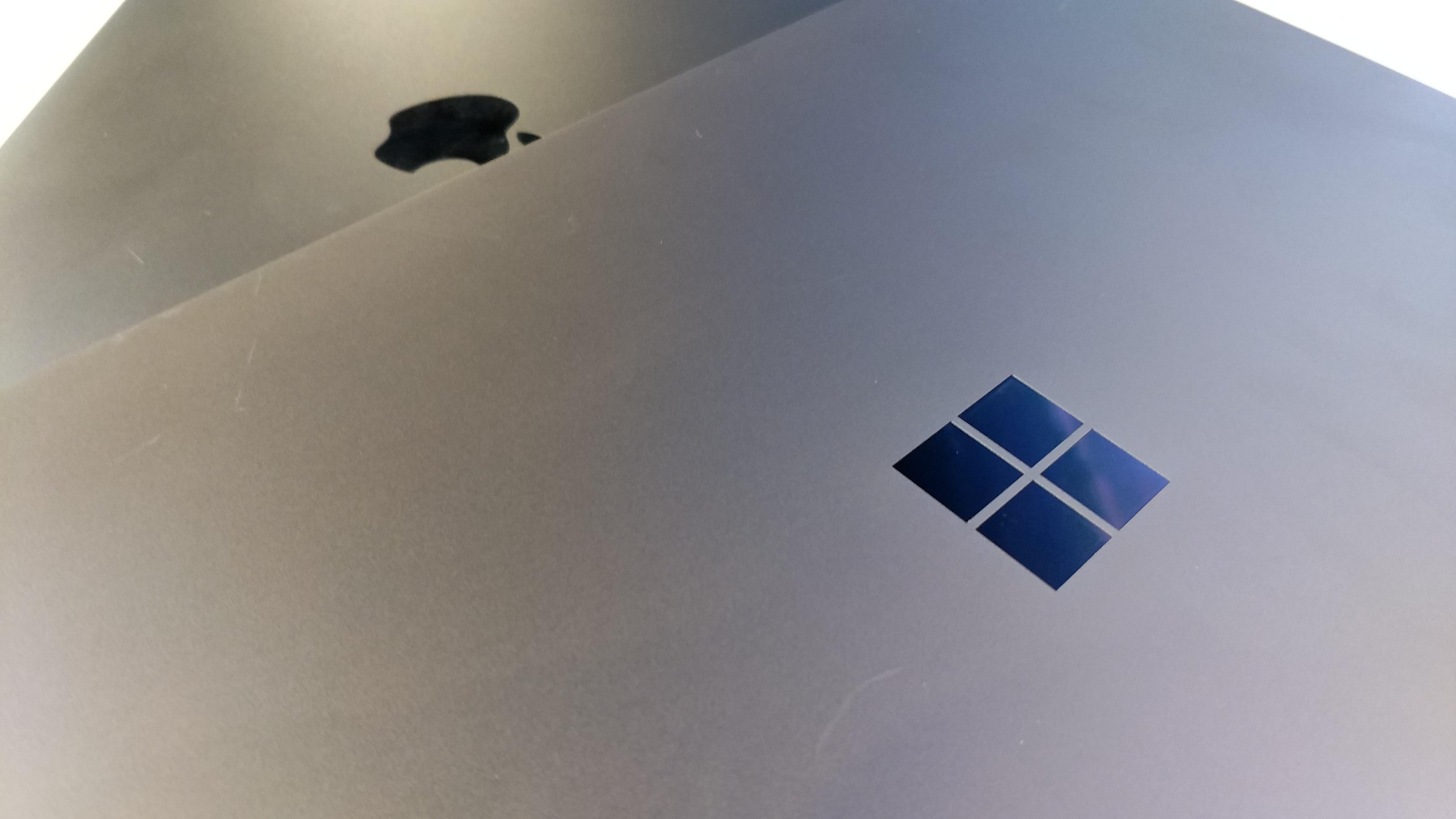 会选谁?微软Laptop对比苹果新款MacBook