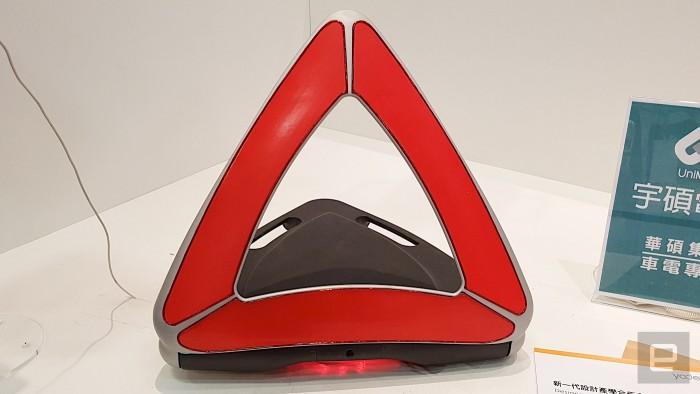 A-WT智能车用警示牌:巧妙避免车辆追撞危险