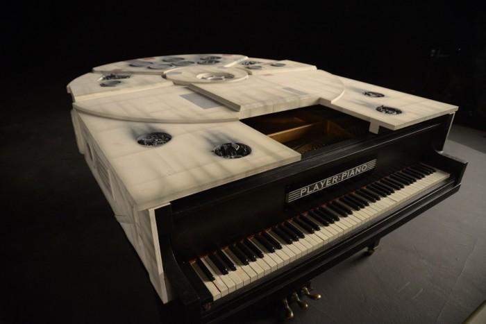 星战迷注意!自制千年隼号钢琴在eBay上拍卖