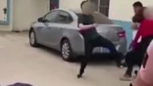 男子抓到妻子约会当街殴打 离婚时却被儿女揍