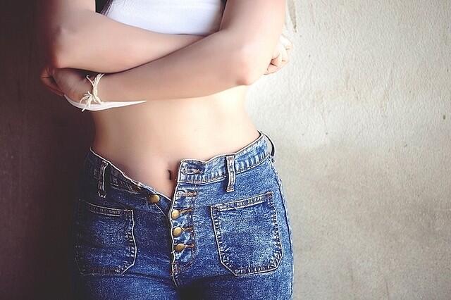 击退裤腰附近赘肉 让你躺着也能瘦