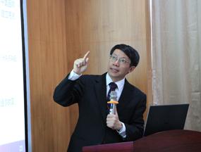 李克强:发展智能网联汽车 中国具有天然制度优势