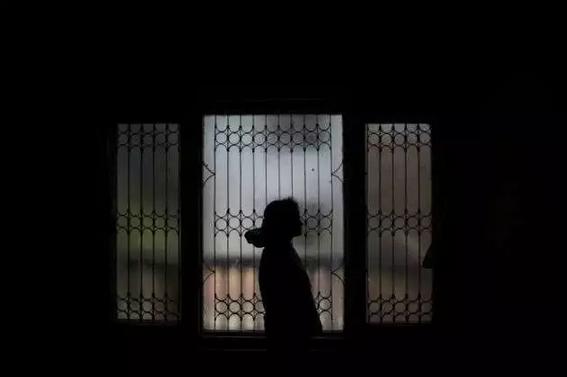 """中国留学生在印度被老师骚扰 """"女权电影""""热议下的印度现实"""