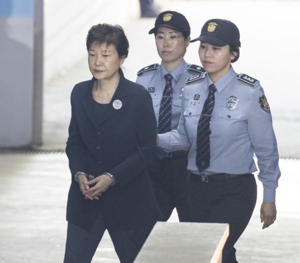 朴槿惠2次出庭受审 分析称法院或将在10月前宣判