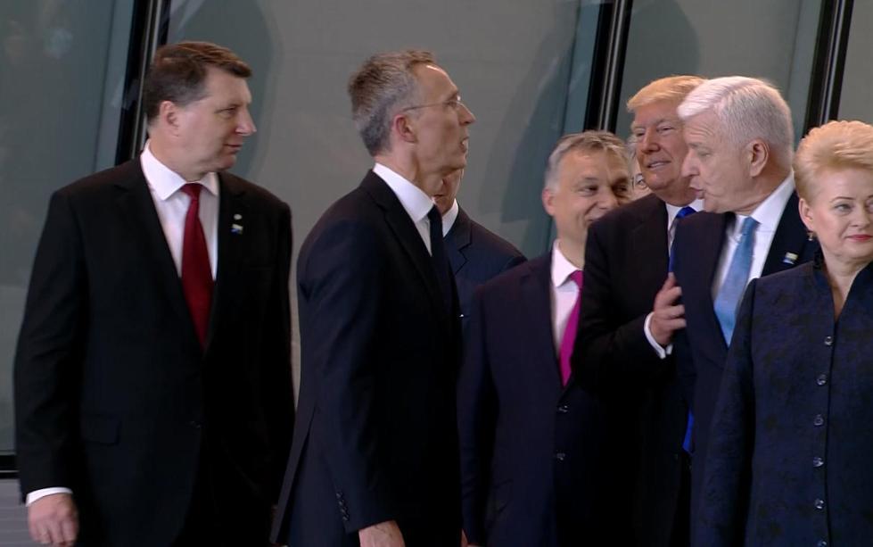 """黑山总理回应""""被特朗普强势推开"""":网上的代理ip用不了也没啥伤害啦"""