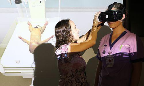 纽卡斯尔大学借助VR技术培训助产士