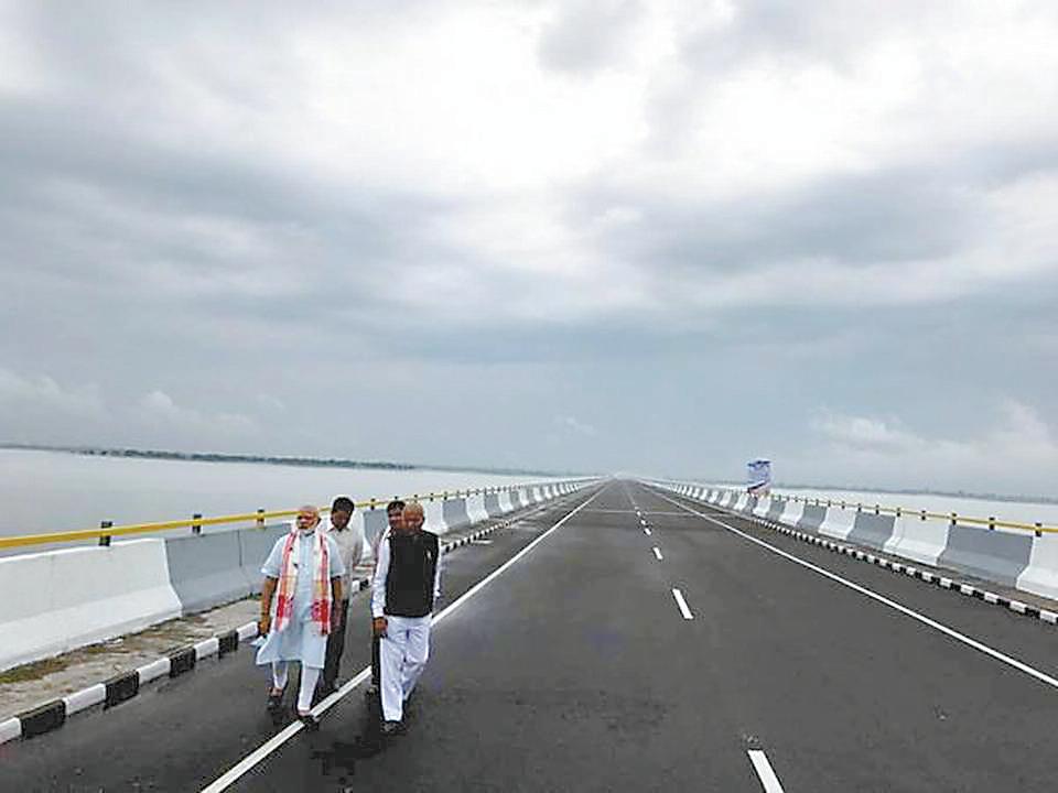 莫迪亲自为印中边境大桥揭幕:你们等待多年的大桥就在眼前