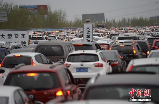 端午假期高速路不免费 明早北京多条高速将拥堵