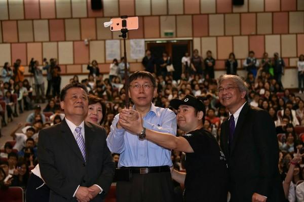 2018台北市长选举民调 支持度夺冠的居然是他