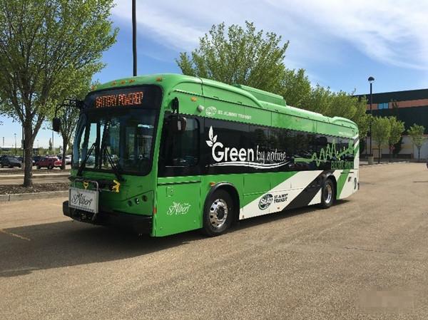 首批3台比亚迪纯电动大巴交付加拿大亚伯达省
