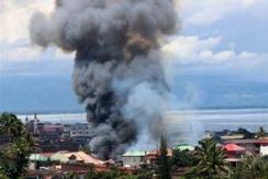 现在的菲律宾:战火四起 民众逃难