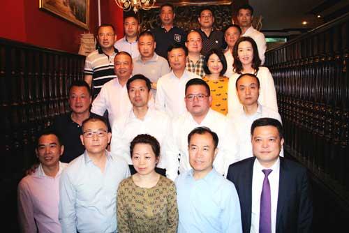 法国法华工商联合会热情接待西安市侨务代表团