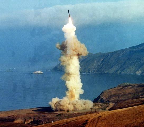 美军披露核威慑政策新重点 确保美核武器强大