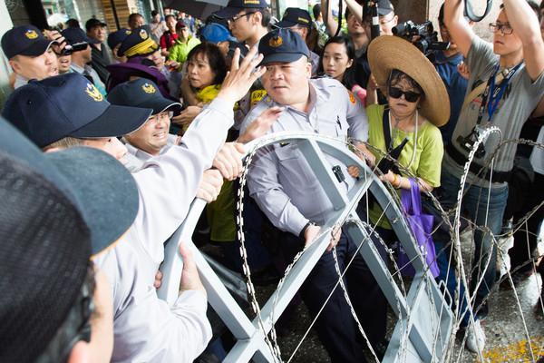 台湾警校录取分数现40年最大崩落 没人再愿当警察
